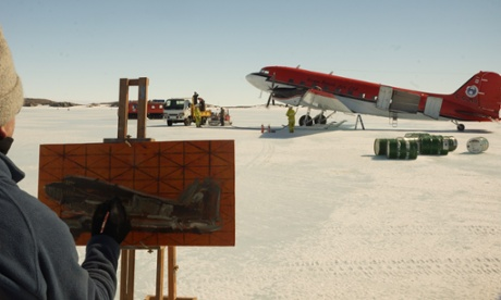 John-Kelly-painting-in-Antarctic-MawsonStn-2013